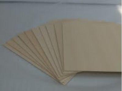 Produtos em Destaque: COMPENSADO LEVE NACIONAL EXP  2,7 x 300 x 600 mm PCTC/3